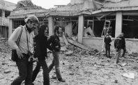 Joan Baez ở Hà Nội: Lễ Giáng sinh dưới mưa bom